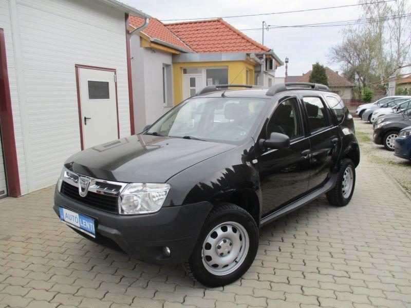 Dacia Duster 1.6 Szervizkönyv 1.Tul