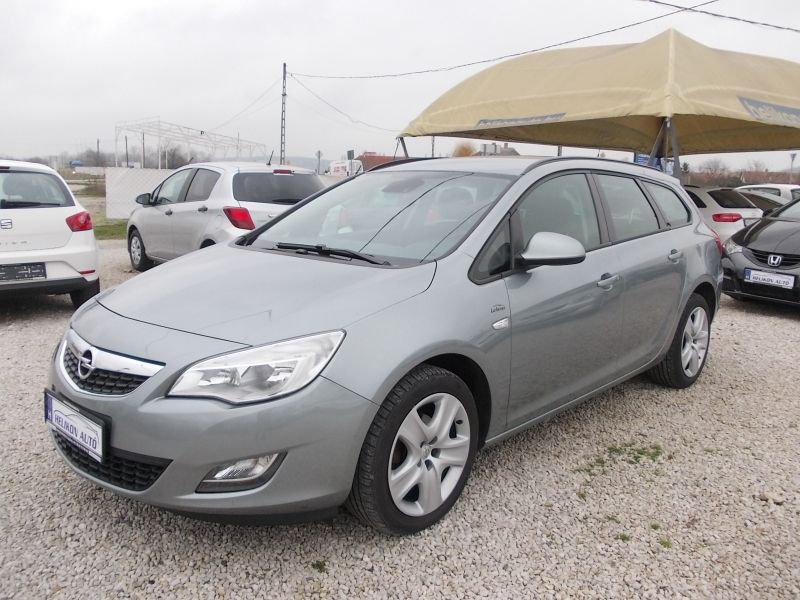 Opel ASTRA J Sports Tourer 1.4 T En