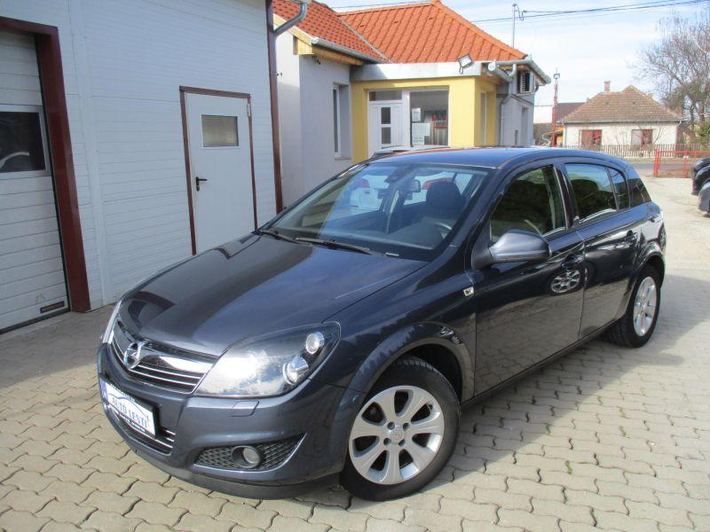 Opel Astra H 1.4 Szervizkönyv