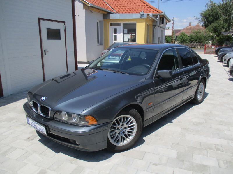 BMW 520D Sedan Szervizkönyv