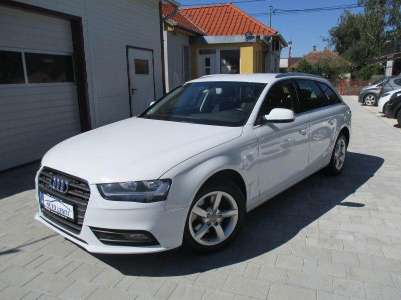 Audi A4 Avant 2.0 CRTDI Szervizköny